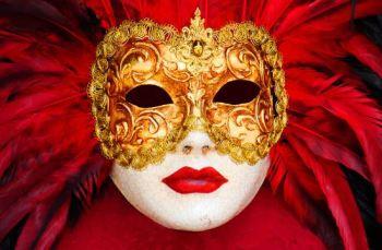 venice-mask-644173884